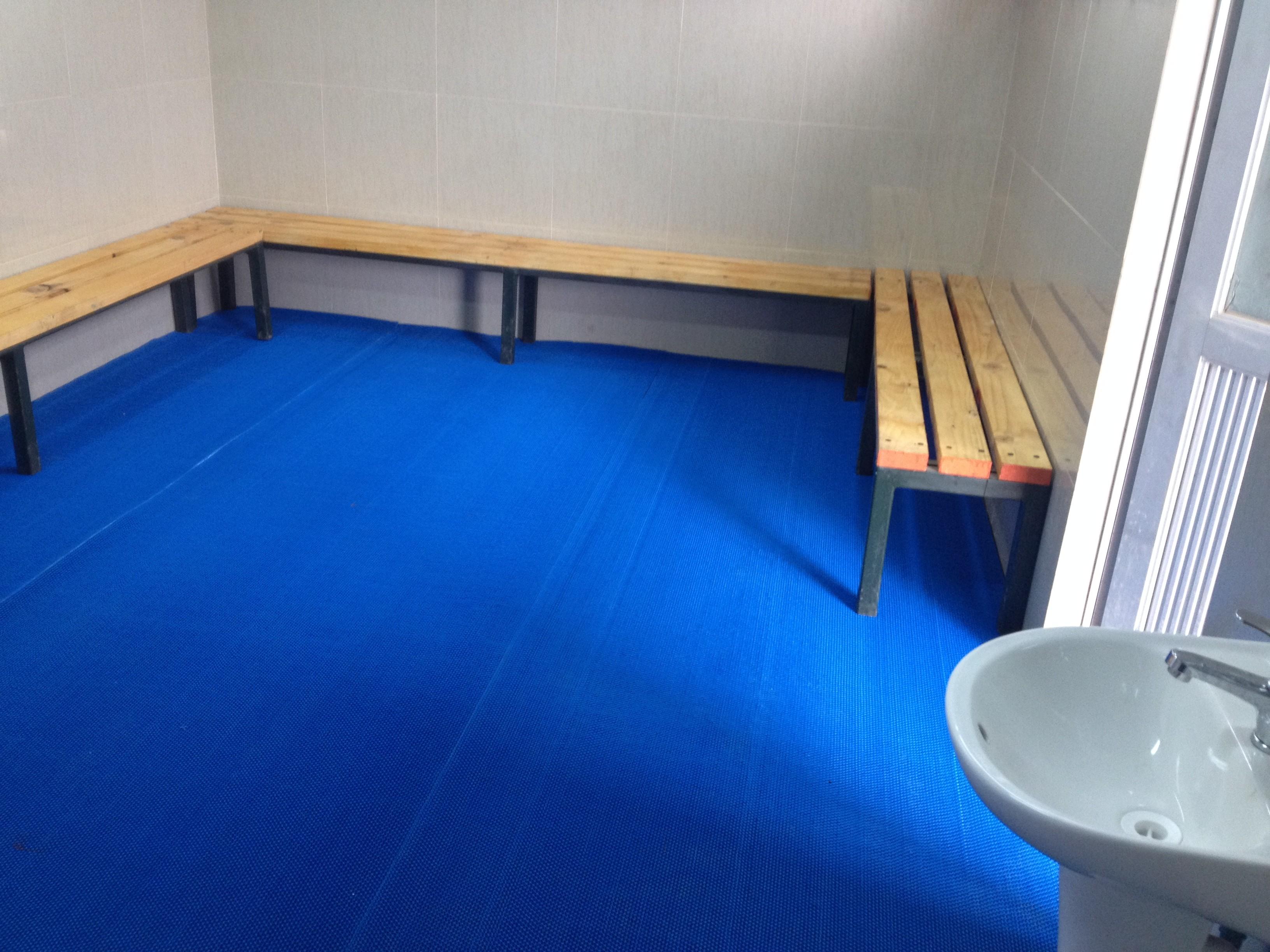 Pisos camarines piso tipo wet area vinil 5 mm x 1 20 mts - Piso de vinil en rollo ...